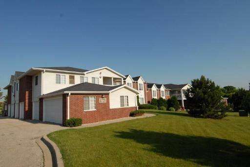 8720 Lexington Place #2, Pleasant Prairie, WI 53158 (MLS #10731033) :: Suburban Life Realty