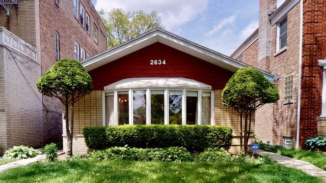 2634 W Fargo Avenue, Chicago, IL 60645 (MLS #10732429) :: Property Consultants Realty