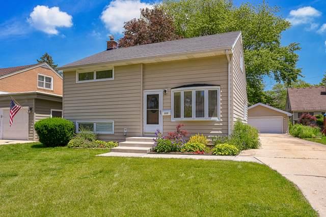 555 S Edgewood Avenue, Lombard, IL 60148 (MLS #10732992) :: Lewke Partners