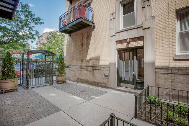 2549 N Clark Street #2, Chicago, IL 60614 (MLS #10733017) :: Property Consultants Realty