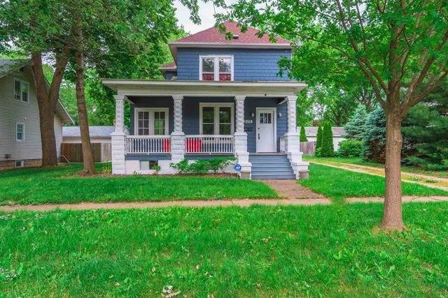 509 N School Street, Normal, IL 61761 (MLS #10733091) :: Ryan Dallas Real Estate