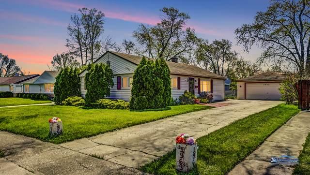 1963 Welwyn Avenue, Des Plaines, IL 60018 (MLS #10733532) :: Helen Oliveri Real Estate