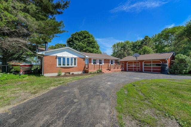 2s599 Bliss Road, Sugar Grove, IL 60554 (MLS #10733737) :: Property Consultants Realty