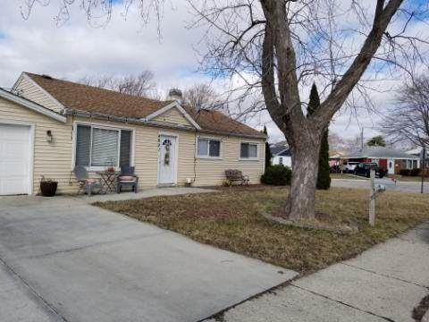 4601 W 84th Place, Chicago, IL 60652 (MLS #10733976) :: Janet Jurich