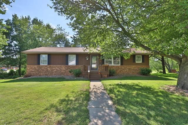 111 Giles Drive, Mackinaw, IL 61755 (MLS #10735312) :: Ryan Dallas Real Estate