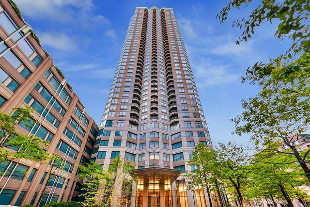 400 N Lasalle Drive #1305, Chicago, IL 60654 (MLS #10736007) :: Property Consultants Realty