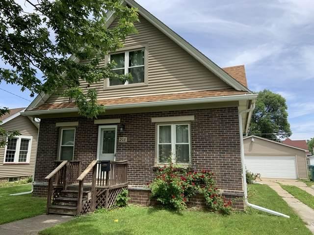 208 W 10th Street, Streator, IL 61364 (MLS #10736078) :: Janet Jurich