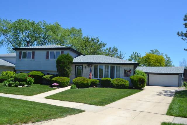 16449 Surrey Drive, Tinley Park, IL 60477 (MLS #10738229) :: Century 21 Affiliated