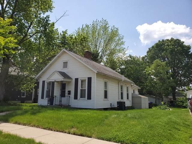 1011 E Washington Street, Bloomington, IL 61701 (MLS #10738669) :: The Wexler Group at Keller Williams Preferred Realty