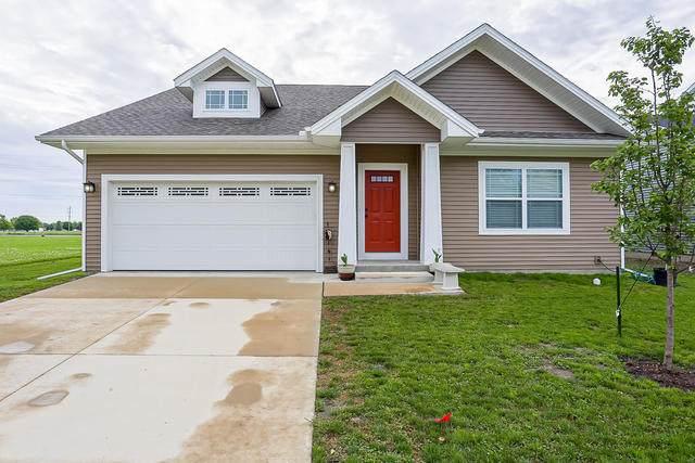705 N Justice Street, Tuscola, IL 61953 (MLS #10739637) :: Ryan Dallas Real Estate