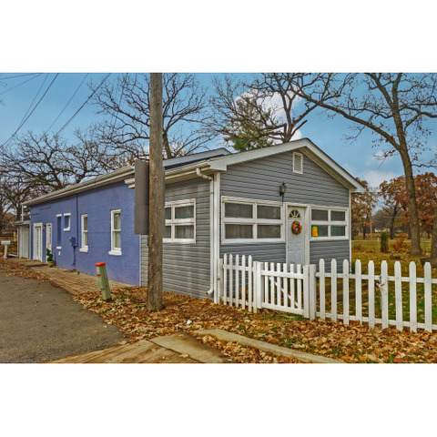 509 Cottage Street - Photo 1