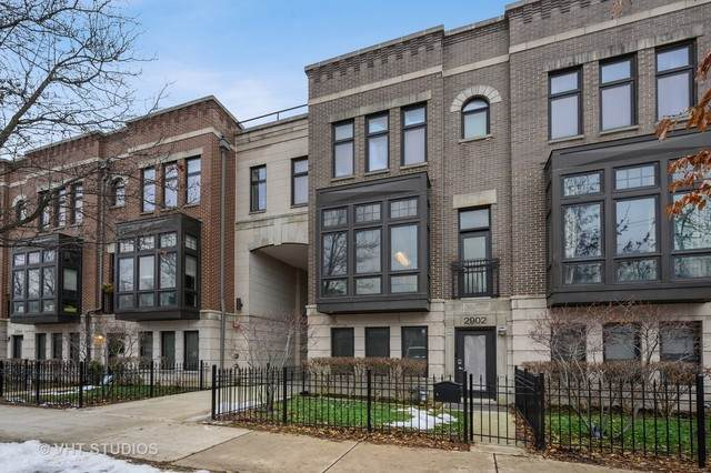 2902 N Paulina Street, Chicago, IL 60657 (MLS #10741495) :: Angela Walker Homes Real Estate Group