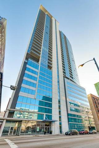 303 W Ohio Street #1806, Chicago, IL 60654 (MLS #10741862) :: Property Consultants Realty