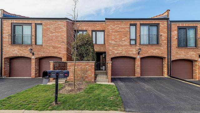 19w206 Newport Lane, Oak Brook, IL 60523 (MLS #10743295) :: The Spaniak Team