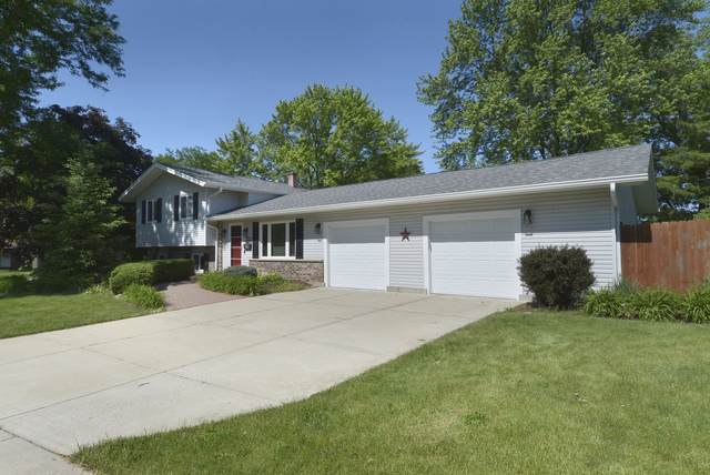 932 Cardiff Drive, Crystal Lake, IL 60014 (MLS #10744119) :: Property Consultants Realty