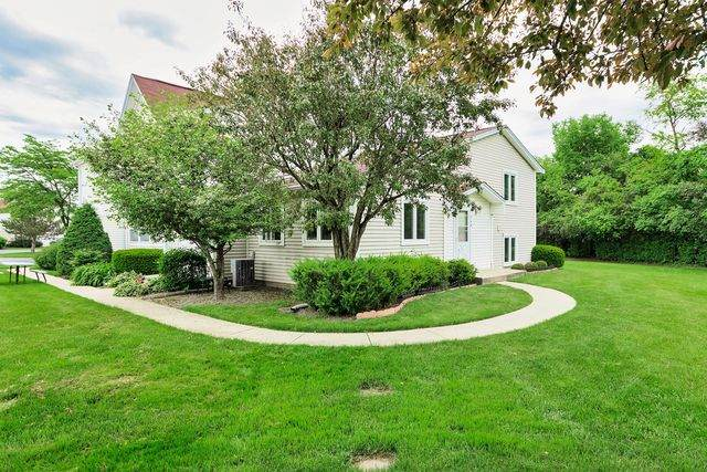 748 Inverrary Lane #748, Deerfield, IL 60015 (MLS #10744339) :: Property Consultants Realty