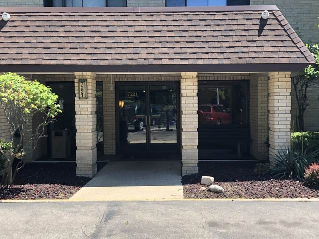 7221 Wolf Road 204B, Indian Head Park, IL 60525 (MLS #10747011) :: Property Consultants Realty