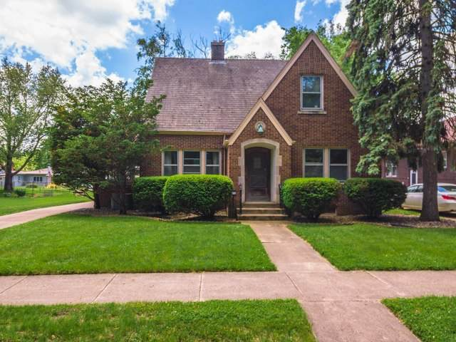 1113 E Olive Street, Bloomington, IL 61701 (MLS #10747300) :: BN Homes Group