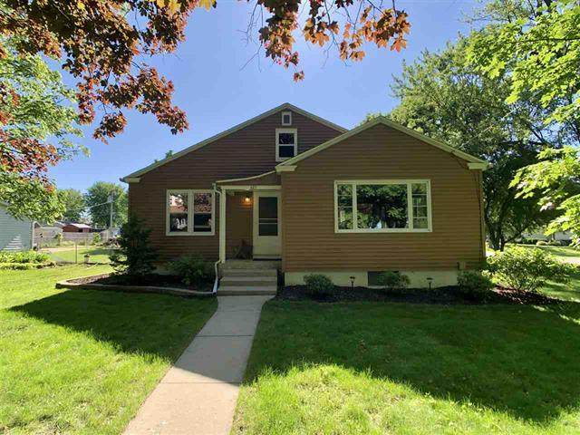 407 Pacific Street, Monroe Center, IL 61052 (MLS #10749755) :: Property Consultants Realty