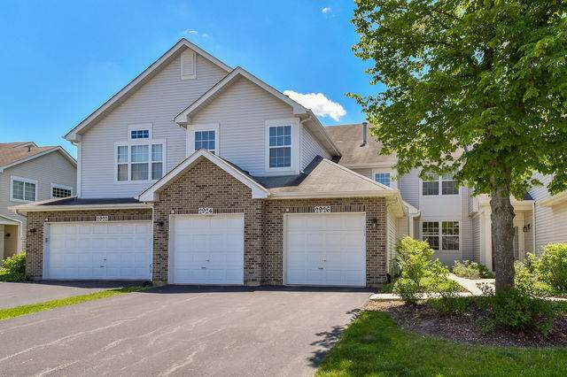 2924 Kentshire Circle, Naperville, IL 60564 (MLS #10749999) :: John Lyons Real Estate