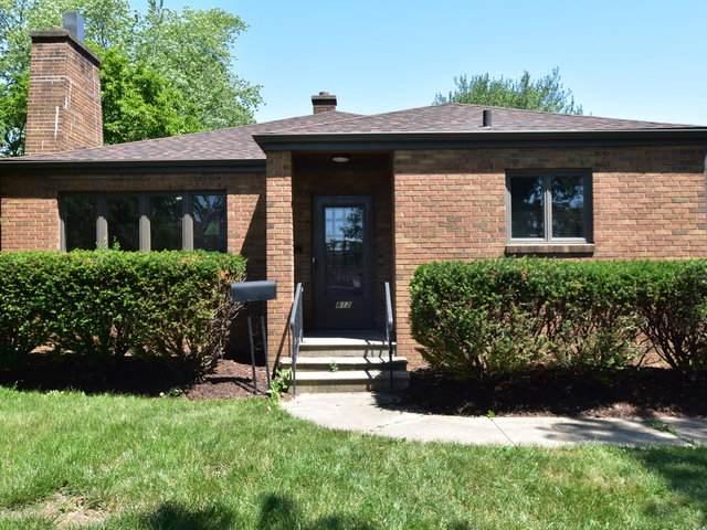812 E 11th Street, Lockport, IL 60441 (MLS #10750297) :: John Lyons Real Estate