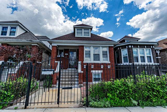 5519 S Albany Avenue, Chicago, IL 60629 (MLS #10755087) :: Property Consultants Realty