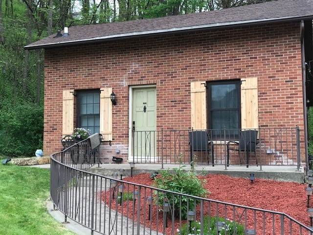 420 S High Street, Galena, IL 61036 (MLS #10758434) :: Property Consultants Realty