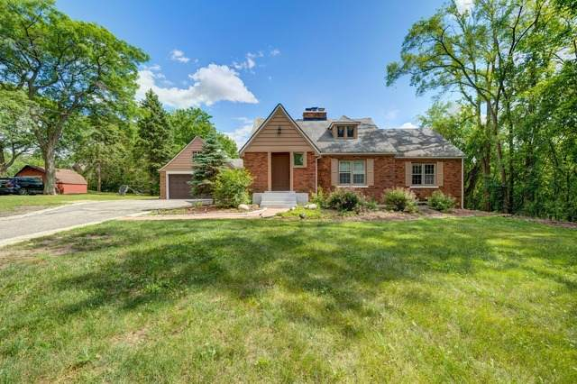 2421 35th Street, Oak Brook, IL 60523 (MLS #10758570) :: Property Consultants Realty