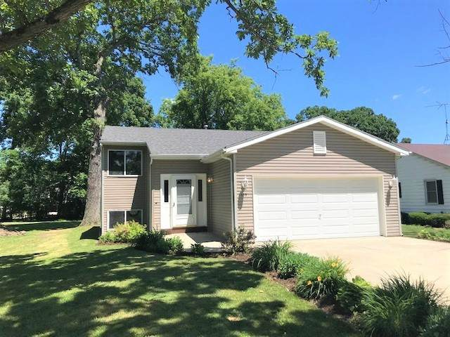 120 W Larch Street, Silver Lake, WI 53170 (MLS #10761299) :: Property Consultants Realty