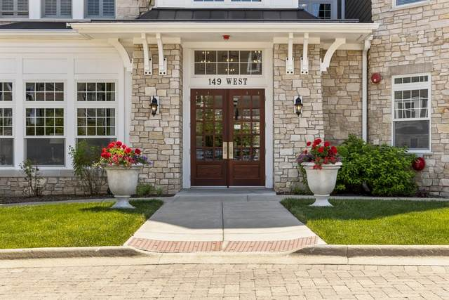 149 W Kennedy Lane #408, Hinsdale, IL 60521 (MLS #10761671) :: Knott's Real Estate Team