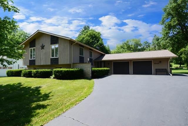 1042 N Harrison Street N, Algonquin, IL 60102 (MLS #10762606) :: Suburban Life Realty