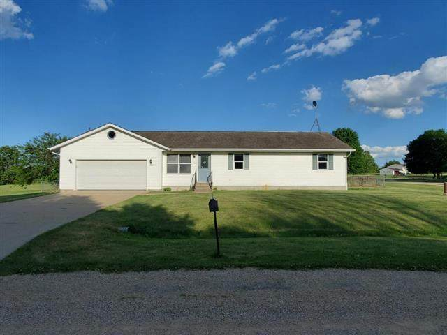 4887 Ling Free Drive, Freeport, IL 61032 (MLS #10762974) :: Property Consultants Realty