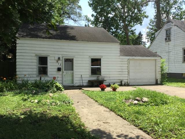 913 W Vine Street, Champaign, IL 61821 (MLS #10763255) :: Property Consultants Realty