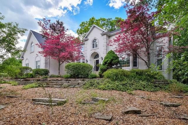 36W244 Fieldcrest Drive, St. Charles, IL 60175 (MLS #10763512) :: John Lyons Real Estate