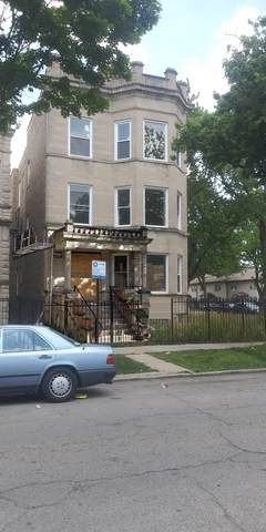 3906 W Gladys Avenue, Chicago, IL 60624 (MLS #10763878) :: Property Consultants Realty