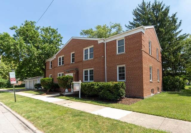 3305 Kemman Avenue, Brookfield, IL 60513 (MLS #10764111) :: The Wexler Group at Keller Williams Preferred Realty