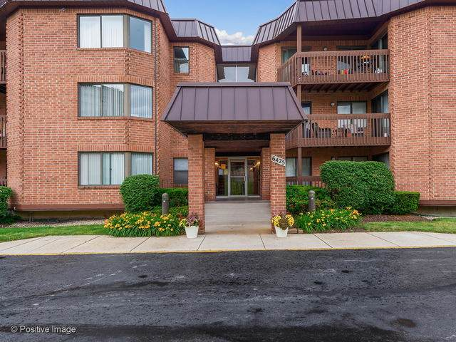 6425 Clarendon Hills Road #304, Willowbrook, IL 60527 (MLS #10764168) :: John Lyons Real Estate