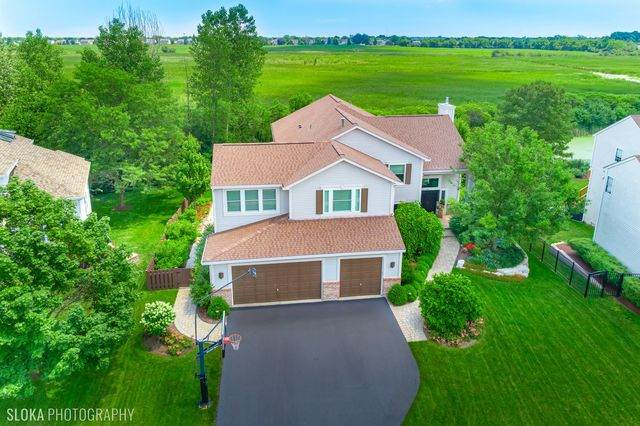 2041 Chadwick Way, Mundelein, IL 60060 (MLS #10764436) :: The Wexler Group at Keller Williams Preferred Realty