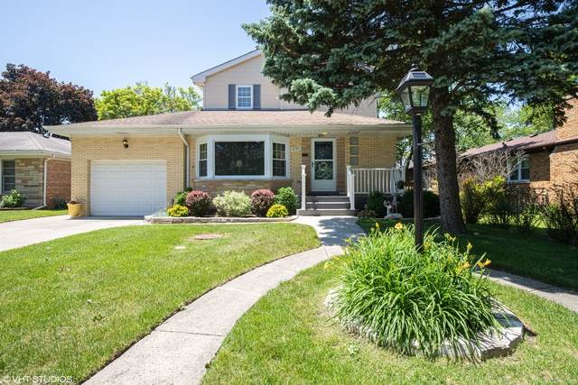 8150 N Odell Avenue, Niles, IL 60714 (MLS #10764980) :: Property Consultants Realty