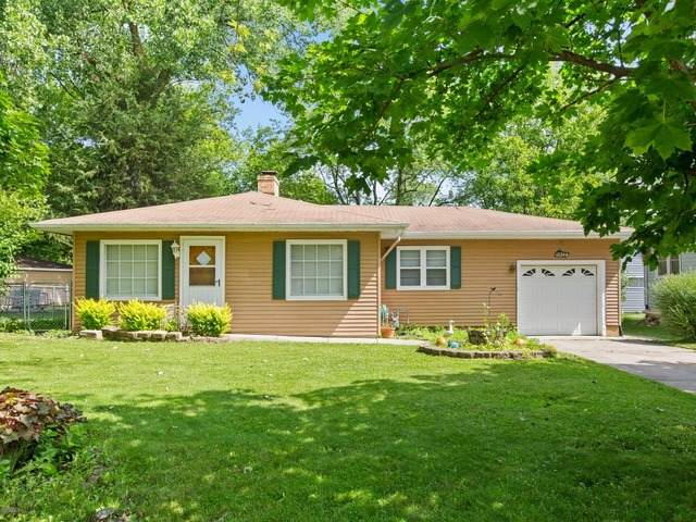 18244 W Elm Street, Grayslake, IL 60030 (MLS #10765802) :: Property Consultants Realty