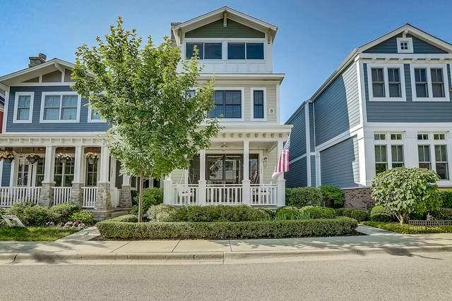 135 School Street, Libertyville, IL 60048 (MLS #10766856) :: Helen Oliveri Real Estate