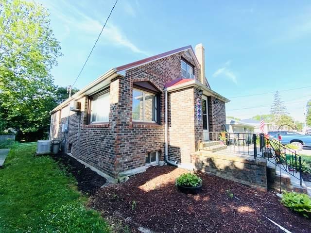 116 W Martin Street, Cissna Park, IL 60924 (MLS #10767728) :: John Lyons Real Estate