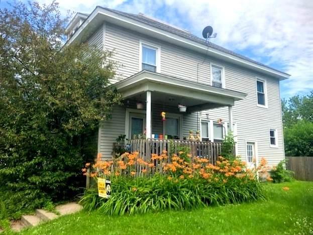 705 E 5th Street, Sterling, IL 61081 (MLS #10767748) :: Helen Oliveri Real Estate