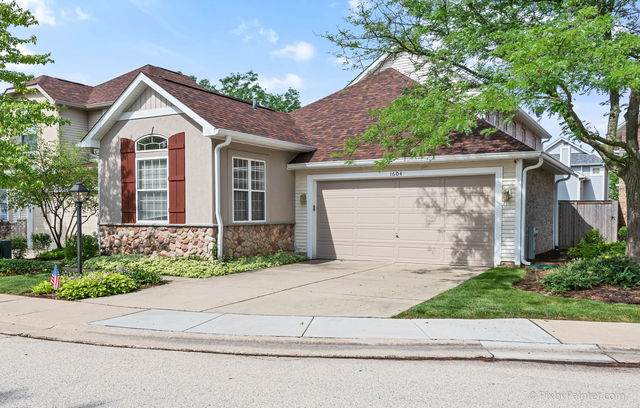 1604 Fairfax Lane, Oakbrook Terrace, IL 60181 (MLS #10767849) :: The Spaniak Team