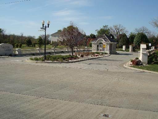 6 Falcon Lakes Drive, South Barrington, IL 60010 (MLS #10768016) :: The Spaniak Team