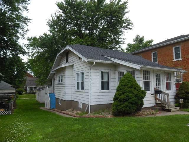 510 12th Avenue, Fulton, IL 61252 (MLS #10768179) :: Property Consultants Realty