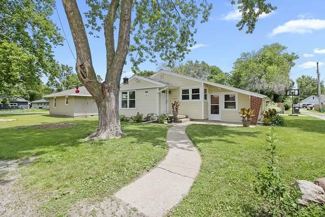 305 N Court Street, Tuscola, IL 61953 (MLS #10768683) :: Ryan Dallas Real Estate