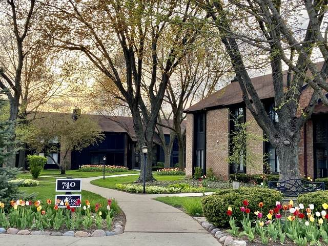 740 Saint Andrews Lane #15, Crystal Lake, IL 60014 (MLS #10769507) :: Property Consultants Realty
