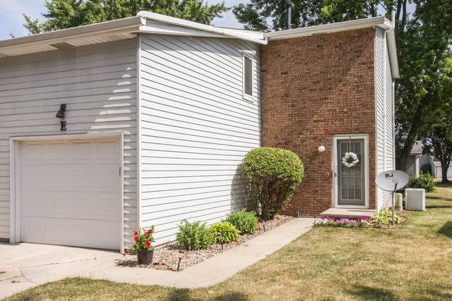 1556 Hunt Drive E, Normal, IL 61761 (MLS #10769564) :: BN Homes Group