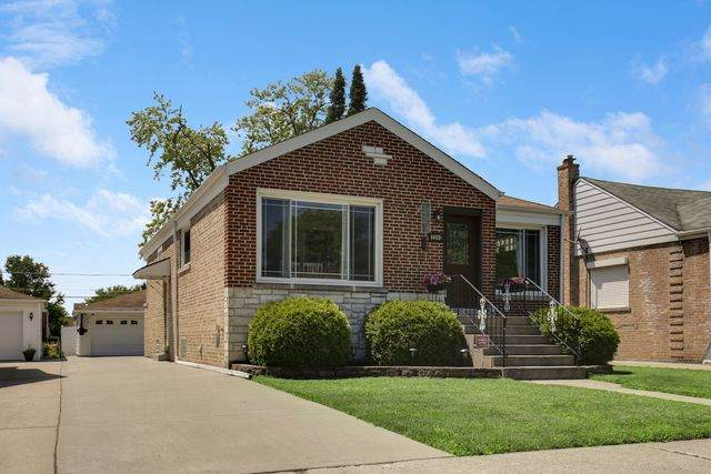 2240 S 22nd Avenue, Broadview, IL 60155 (MLS #10769703) :: Property Consultants Realty